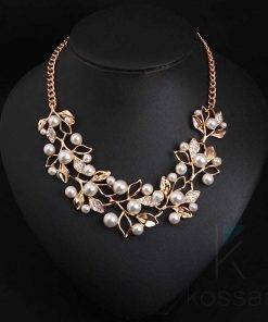 Women's Elegant Necklace with Leaves and Pearls Necklace